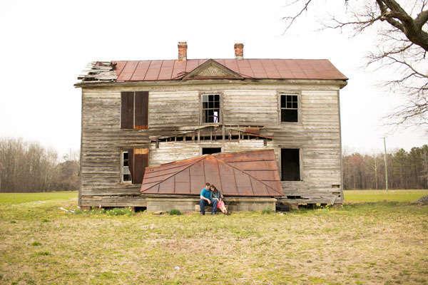 Jessica and Hugh's Capron, VA Engagement Session by Amanda Hedgepeth Photography