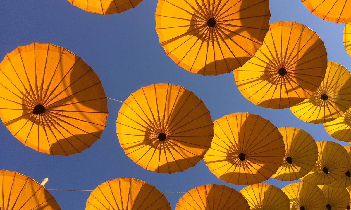 Parasols for Weddings: Accessories and Decor