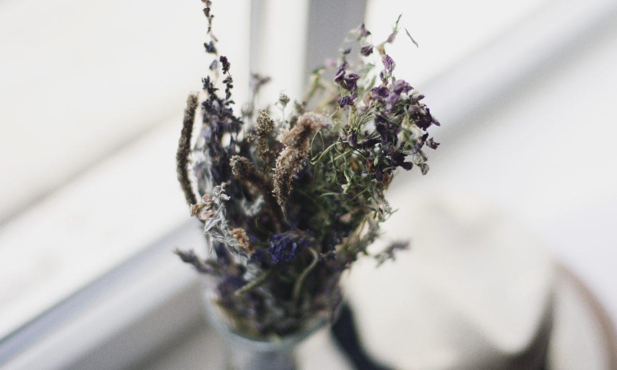 5 Easy Eco-Friendly Wedding Flower Ideas