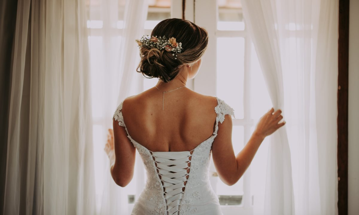 5 Essentials to Include in Your Wedding Dress Budget