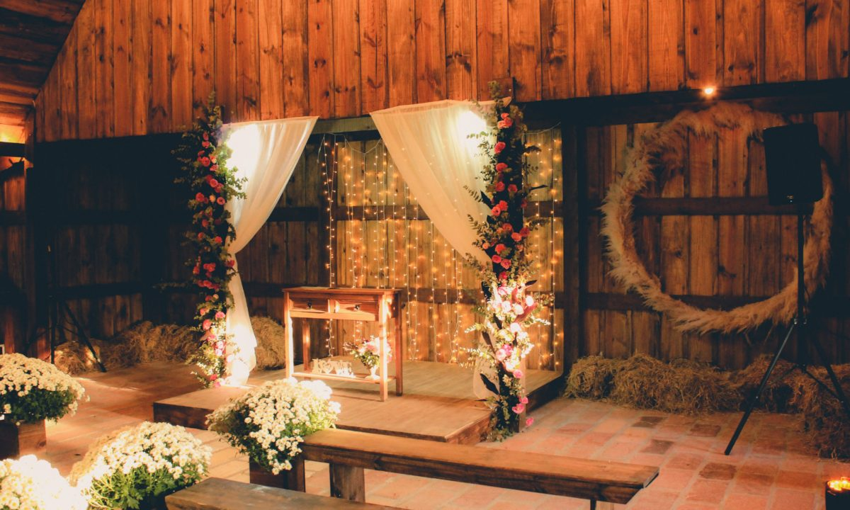These 10 Wedding Altar Decorations Created a Beautiful Space at the End of the Aisle