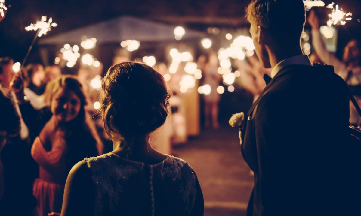 How to Handle Unexpected Extra Guests at Your Wedding