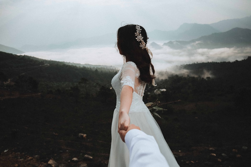 10 Bridal Headbands for Your Wedding