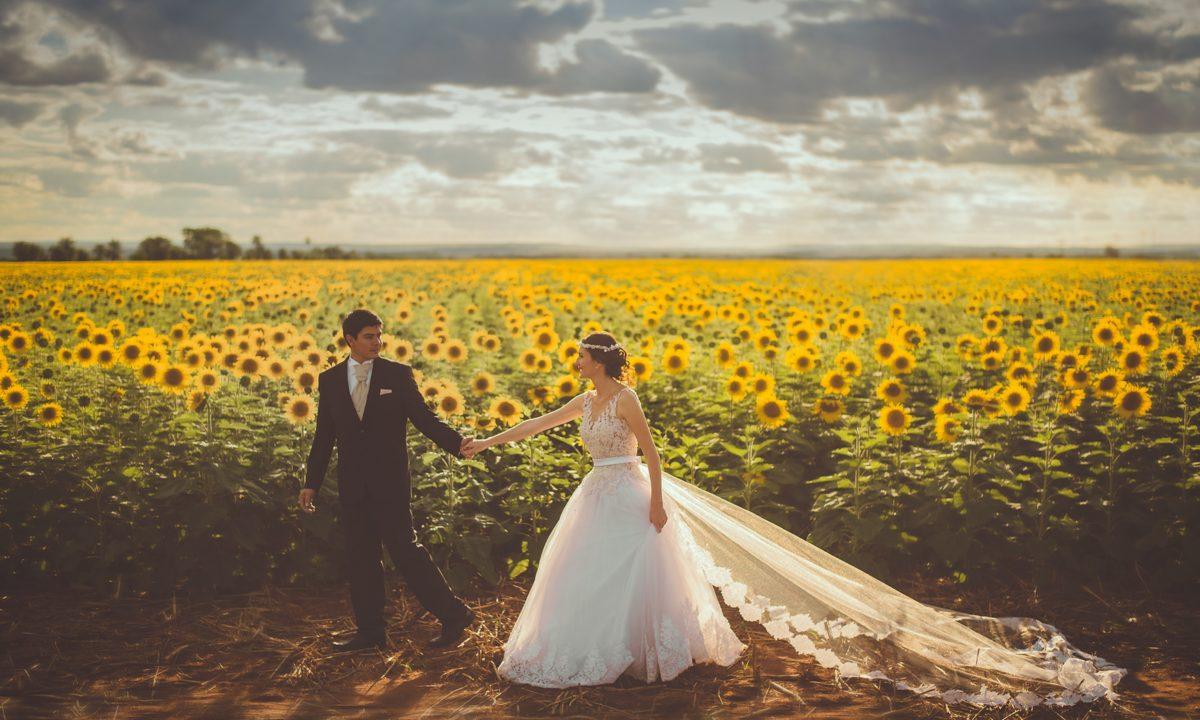 12 Sunflower Ideas for a Rustic Wedding