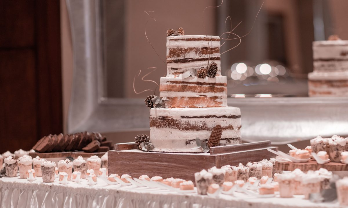 How To Create Your Wedding Cake Table Decor Mywedding