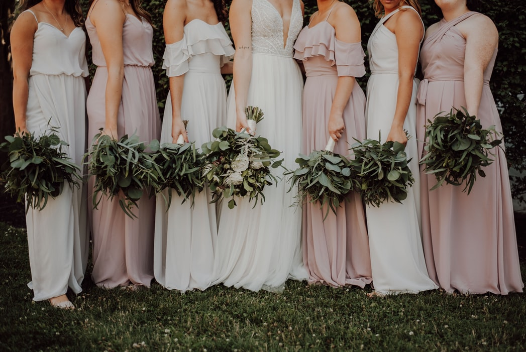 The Pros & Cons of Mismatched Bridesmaid Dresses