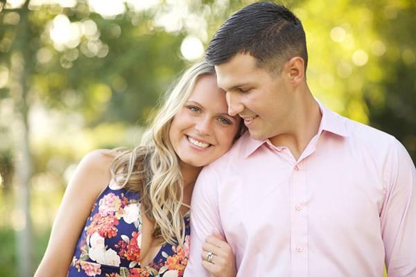 Tania & Matt's Sweet Long Island, NY Engagement Session by elovephotos