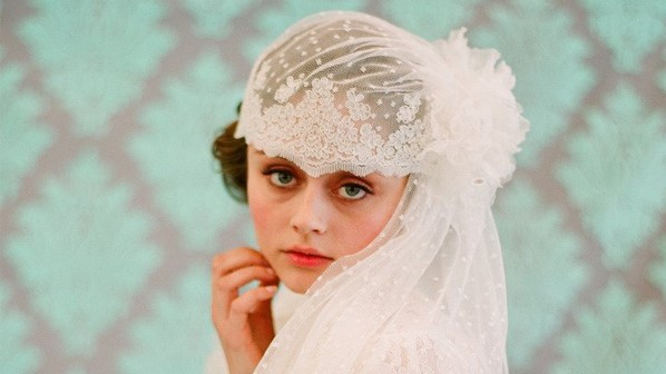 Non-Traditional Veils For The Creative Bride