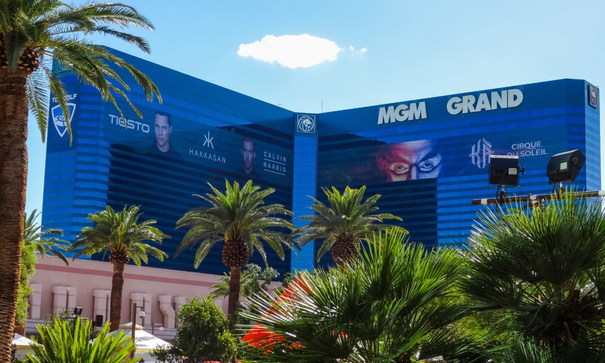 How to Get Married Stylishly in Las Vegas at the MGM Grand