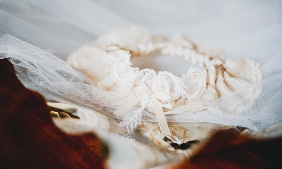 So-Lovely Lace Garters For Your Big Day