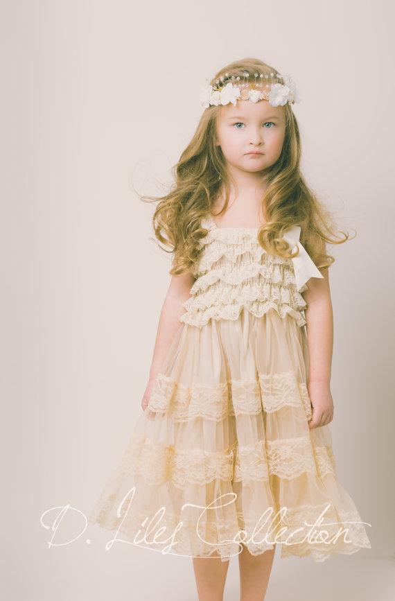 Eloise Lace Dress in Vintage Beige