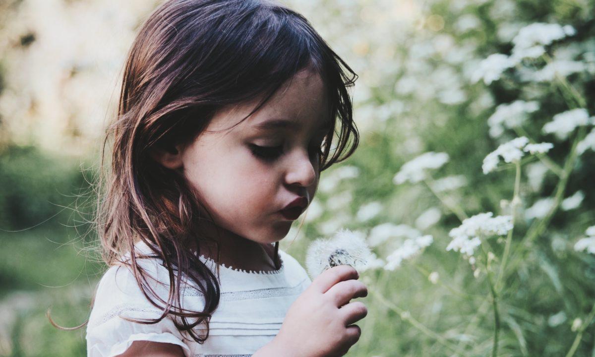 Boho-Inspired Flower Girl Dresses For Your Free-Spirited Nuptials