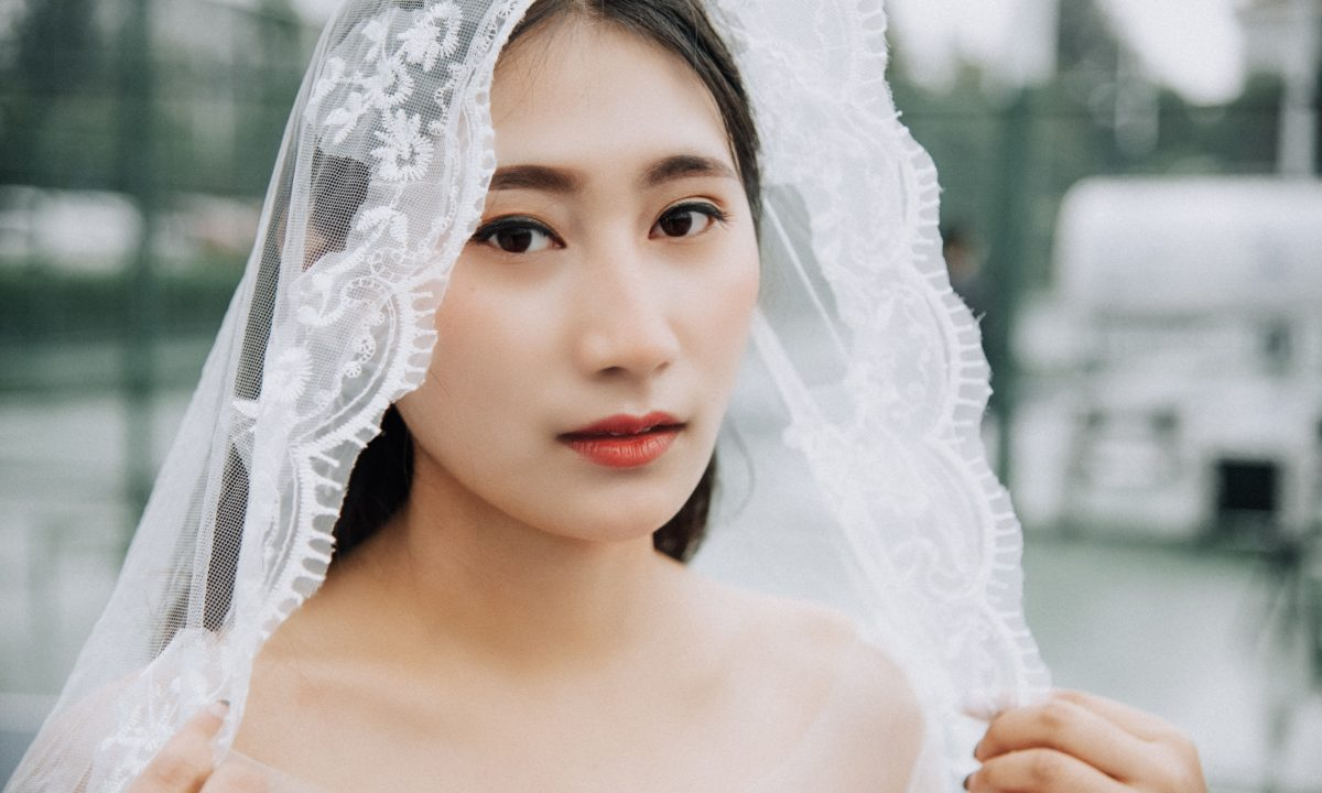 11 Chapel Length Wedding Veil Ideas You'll Love