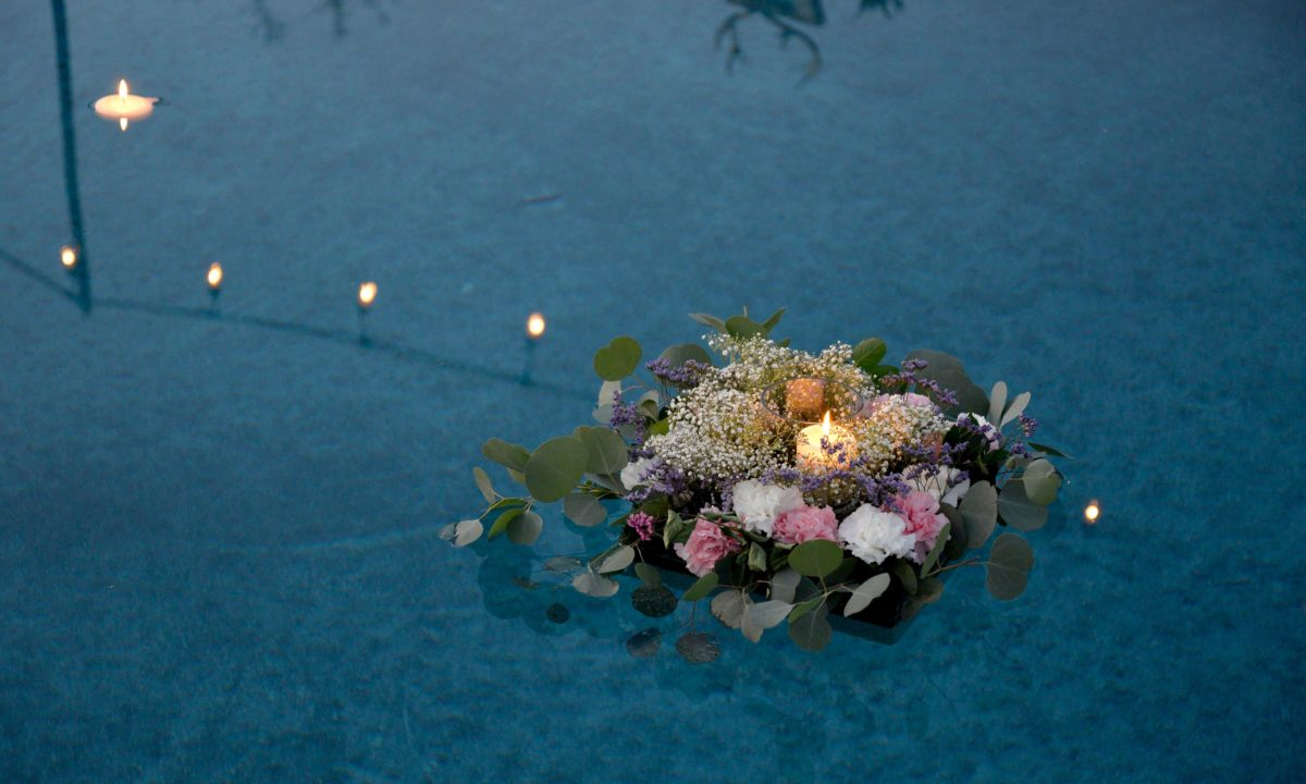 Floating Wedding Flowers for the Dreamiest Reception