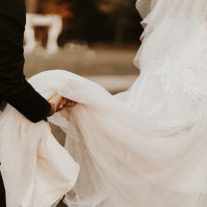 Breathtaking Wedding Veil Photos to Inspire Your Own Bridal Ensemble
