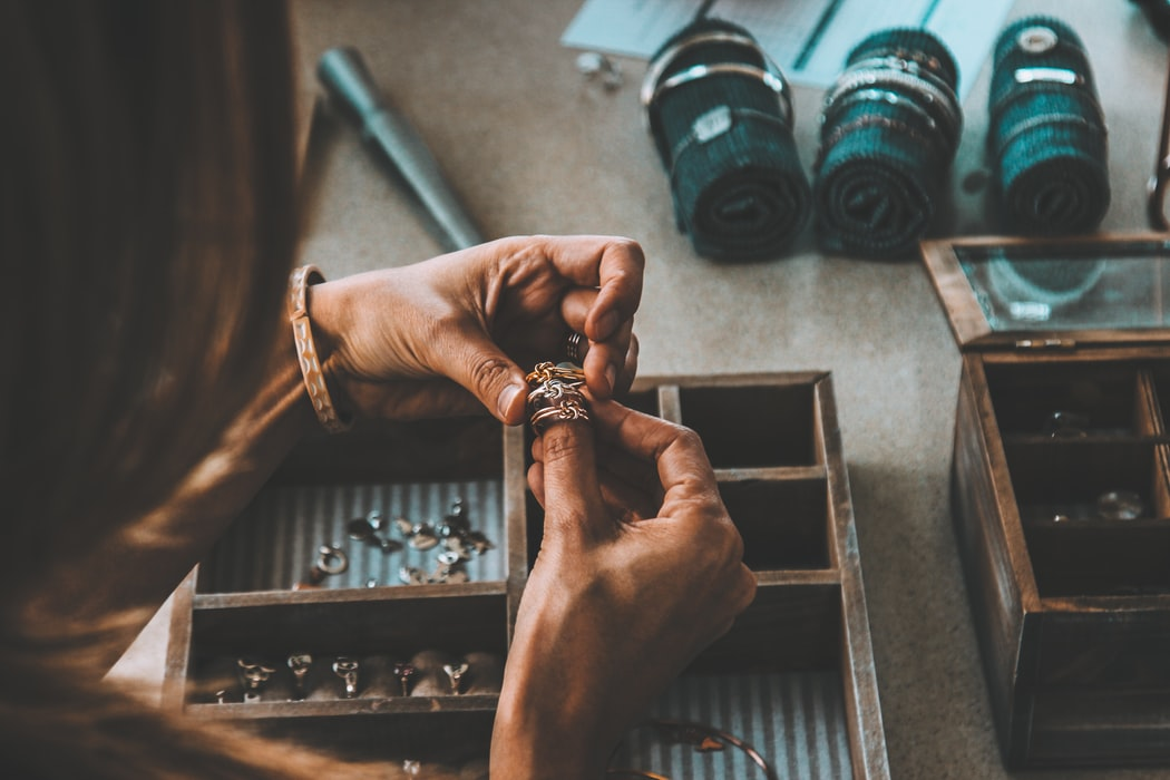 Engagement Ring Shopping: Non-Traditional Places to Buy a Ring