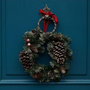 10 Pretty Wreath Decor Ideas for Your Wedding