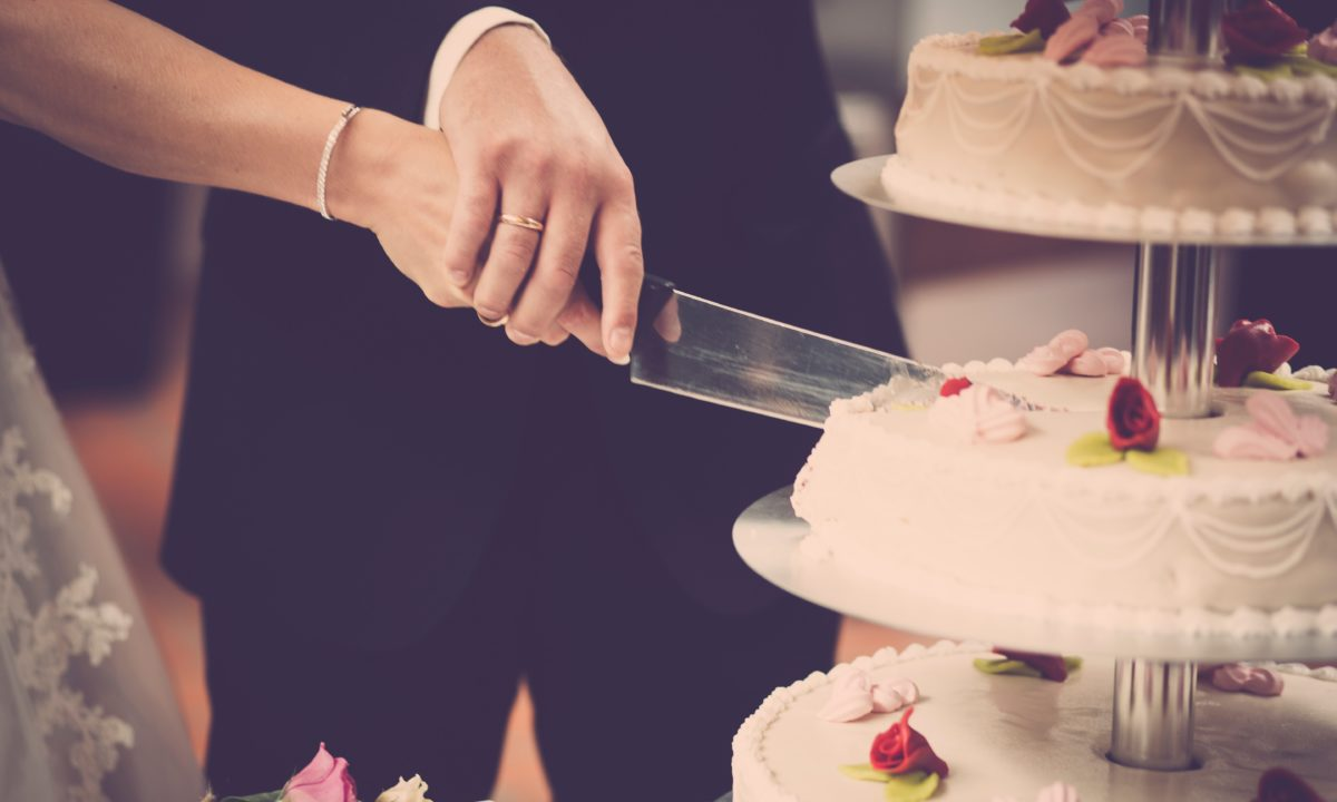 Fun Cake Cutting Songs For Your Reception