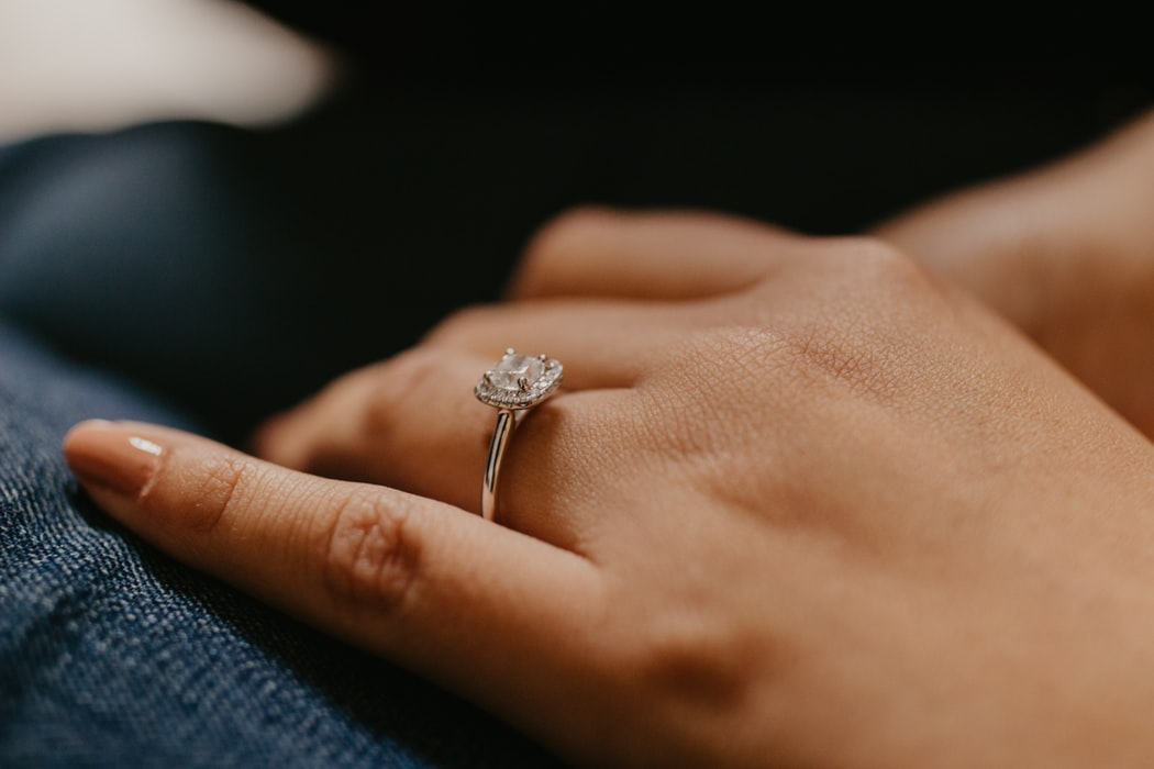 Platinum Engagement Rings to Love for a Lifetime