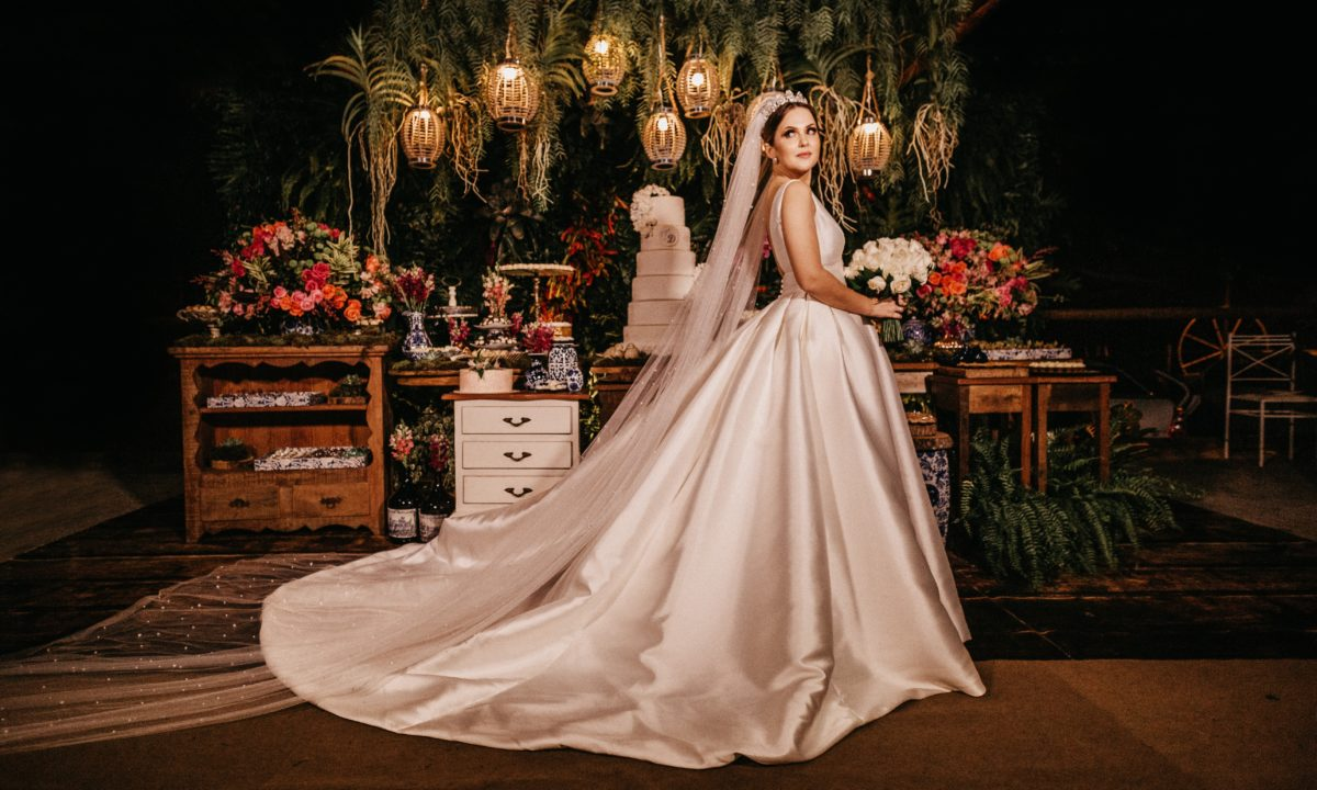 12 Ball Gown Wedding Dresses That Will Make You Feel Like a Princess