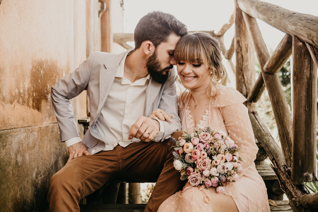 What to Wear to Your Spring Engagement Session