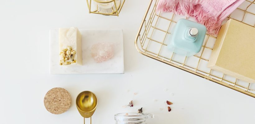 You don't need to be a DIY pro to make fantastic bridesmaid gifts. We've got you covered with these 11 DIY beauty products to make for your favorite ladies. Vanilla Latte Lotion Bars For all the coffee lovers in your…