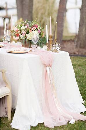 pink tool table runner