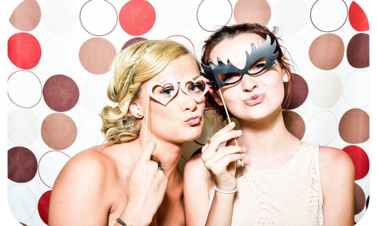 The Best Bridal Shower Games Guests Will Actually Love Playing