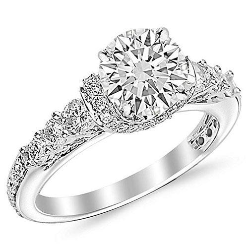 Houston Diamond District Round-Cut Diamond Engagement Ring