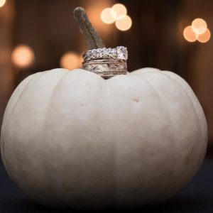 13 Stylish Halloween Wedding Decor Ideas