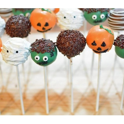 Trsrs By Carolyn Halloween Cake Pops