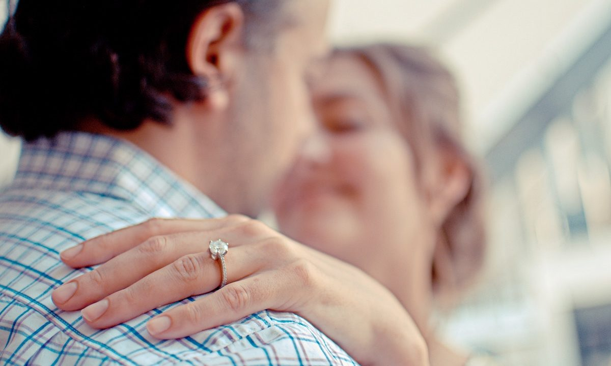 15 Best Moissanite Engagement Rings