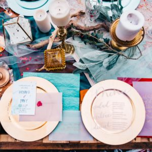 14 Wedding Table Setting Trends for 2020: From Bold Colors to Disco Balls and Beyond