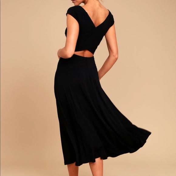 A La Mode Black Midi Dress