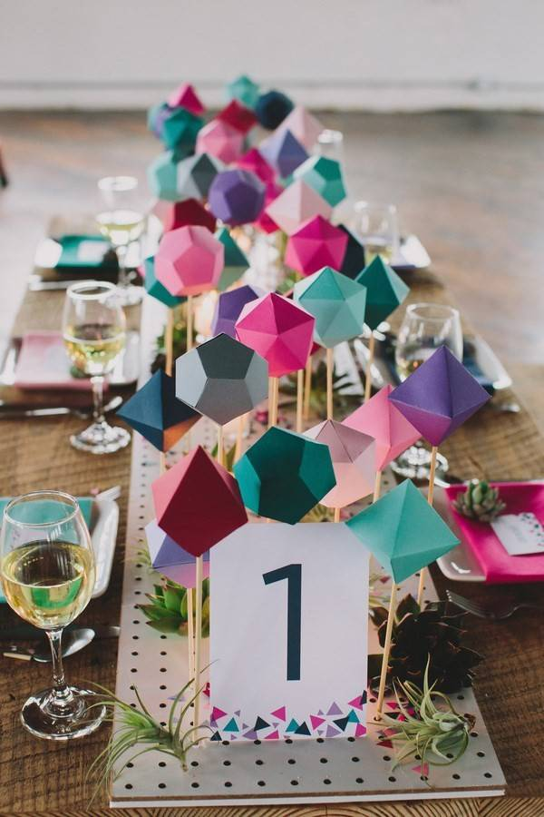 10 Colorful & Modern Wedding Centerpieces