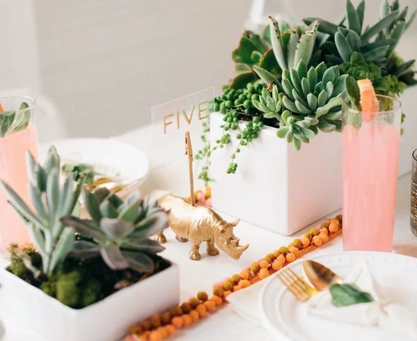 10 DIY Table Numbers to Decorate Your Reception Tables