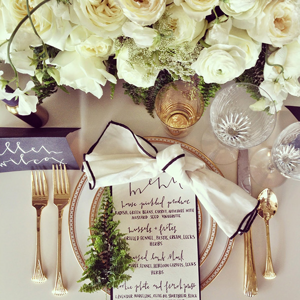 9 Holiday Place Settings by Color Palette