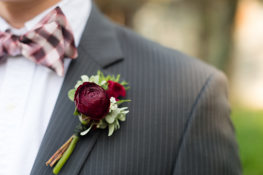 10 Wedding Boutonnieres for Summer