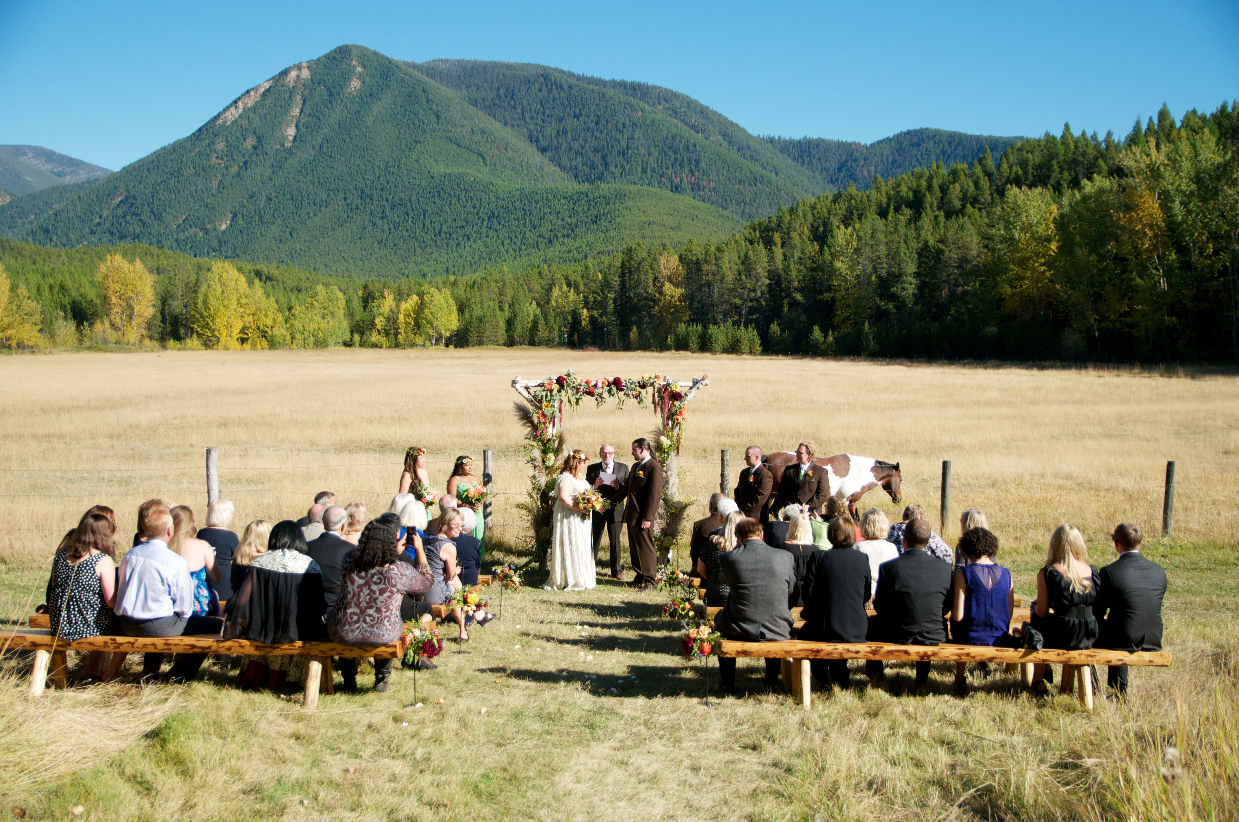10 Photos From Mountain Weddings That Will Charm You