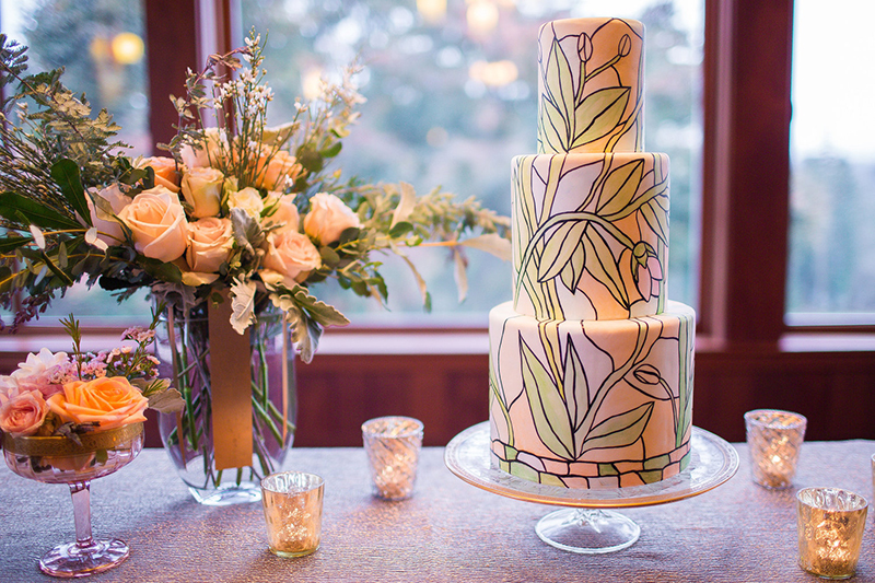 10 Luxury Wedding Cakes to Wow Your Guests