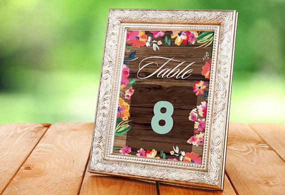 Say Aloha To This Tropical Wedding Day Decor