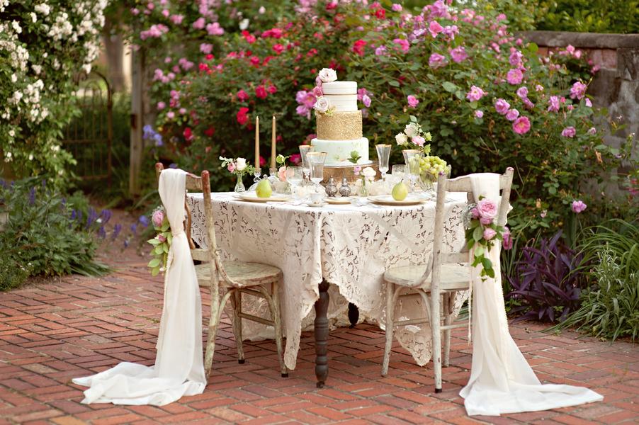 10 Ways to Master French Wedding Style