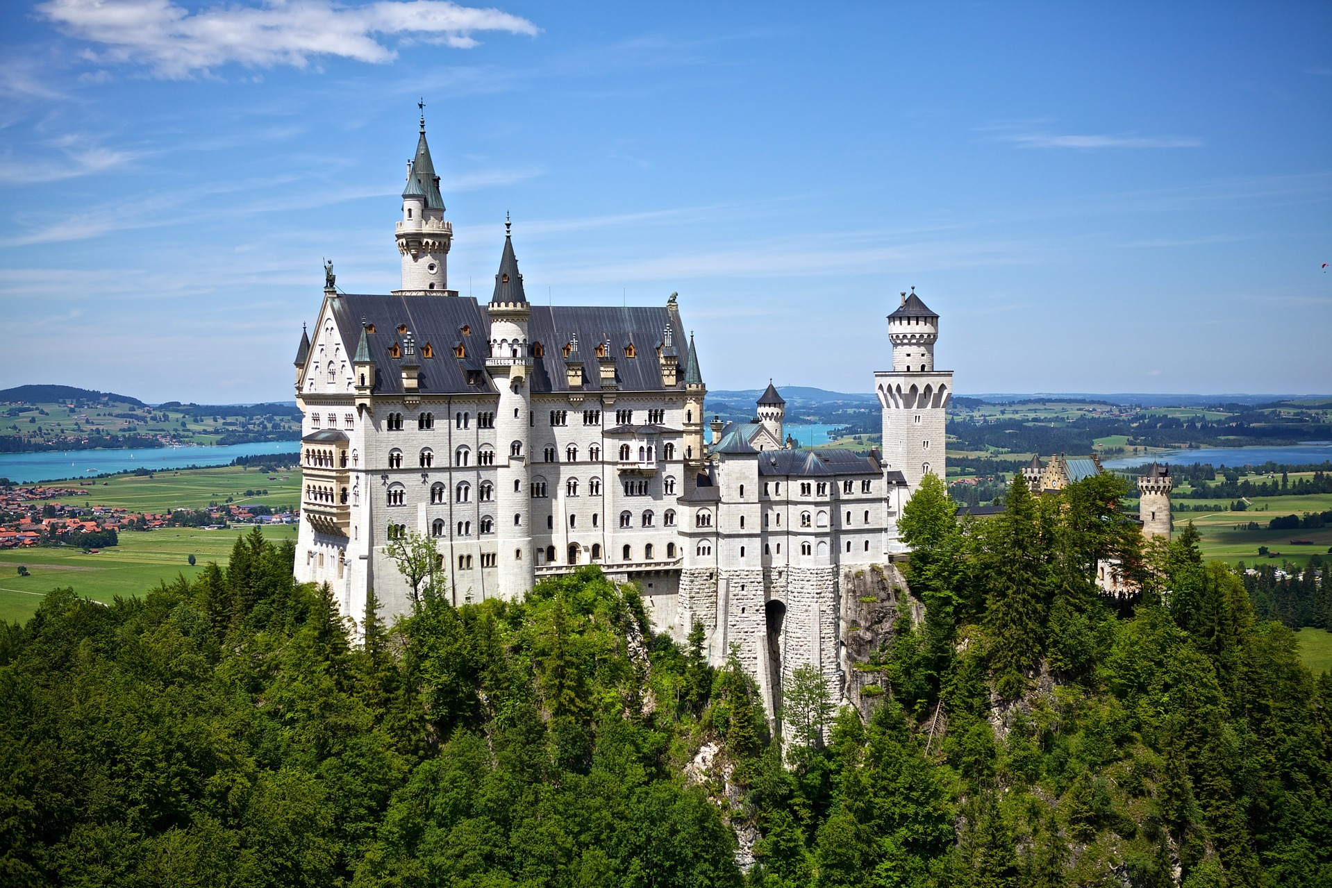 10 Honeymoon Destinations for Couples Who Love History