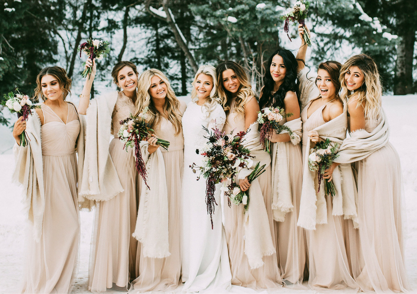 Real Winter Weddings for the Prettiest Snowy Photo Inspiration